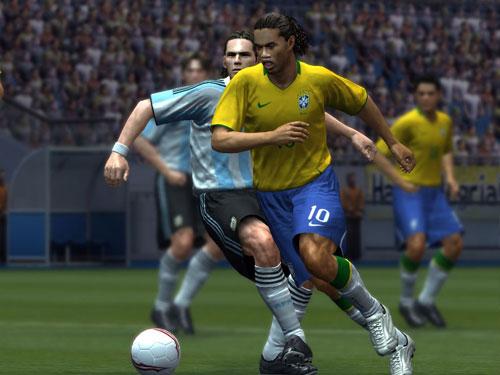 Konami le dice a EA Games: Buen trabajo hijo... sigue intentándolo