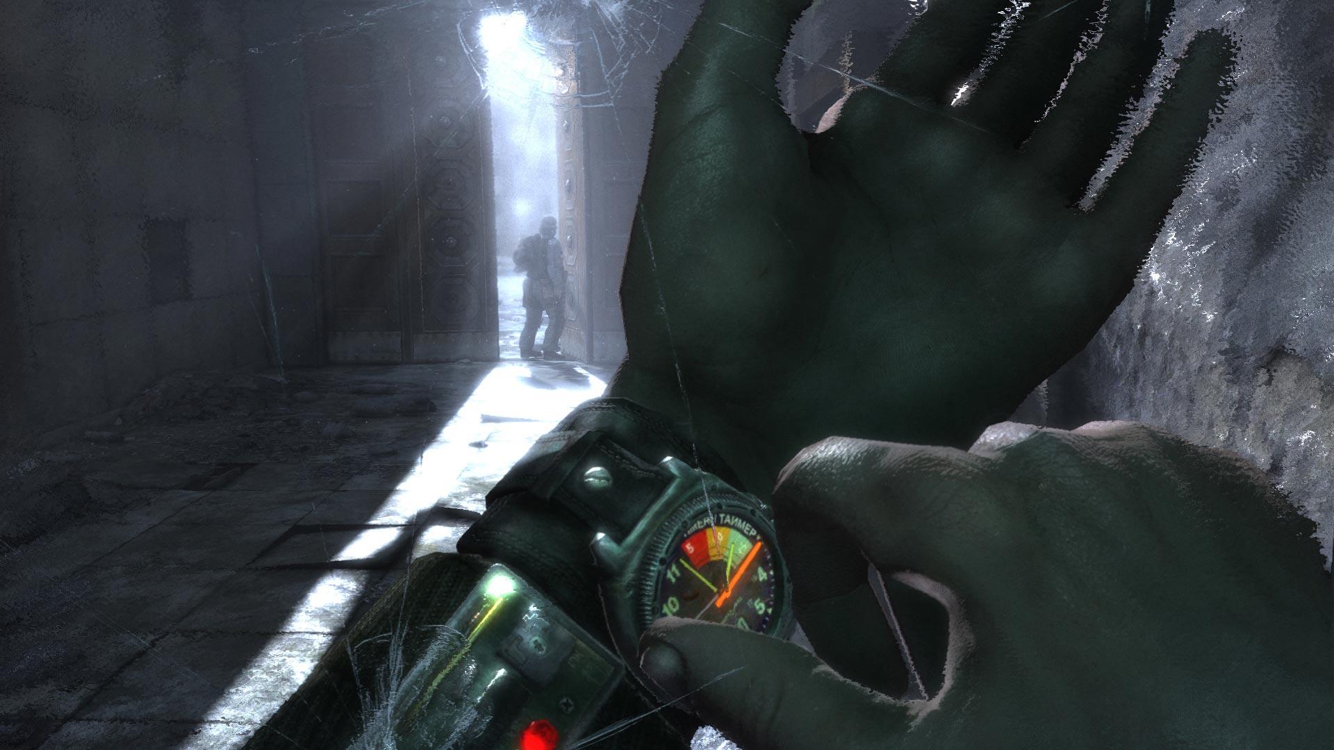 En Metro 2033 no existe el HUD, en cambio, todos tus juguetes los despliegas en pantalla con un botón (el reloj o el mapa por ejemplo)