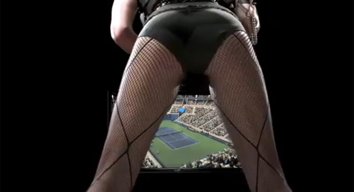 Serena Williams sale a vender Top Spin 4 con un comercial cargado de …. [Sexo]
