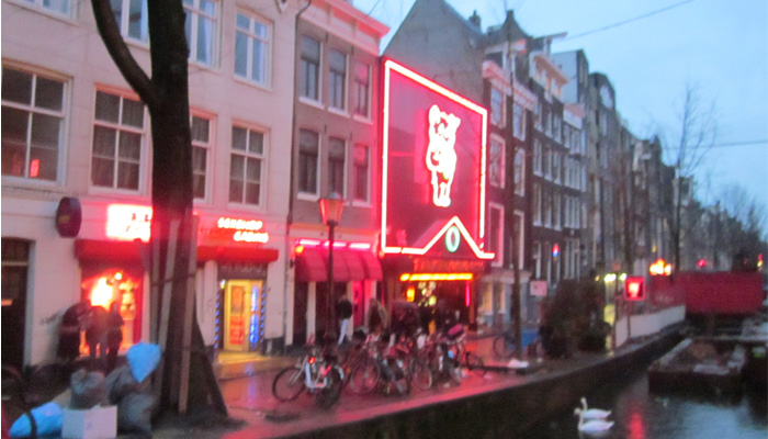 Pronto...Lagzero Holanda! (noticias desde el Red Light District OMG!)