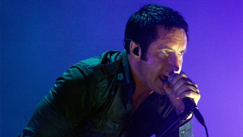 El tema principal de Black Ops 2 fue compuesto por Trent Reznor de NIN. El soundtrack por el mono de Mass Effect [Música Gamer]