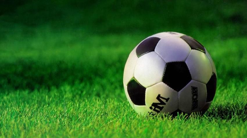 Versus: ¿Cual es la mejor franquicia de videojuegos de Futbol? [10]