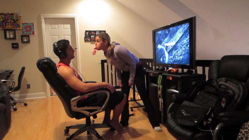 Prank vs Prank: Tatando de alejar del GTA V al novio
