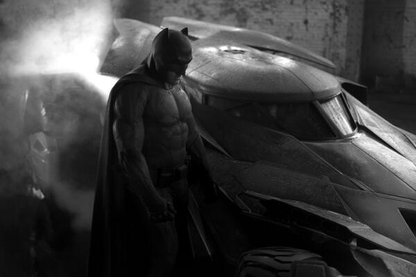 Zack Snyder nos regala un adelanto de su Batman [CHA NA NA NA NA NA BATMAAAN NIUS]