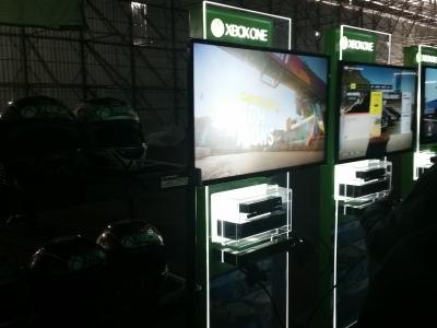 """Los """"Stands"""" con el juego Forza horizon 2"""