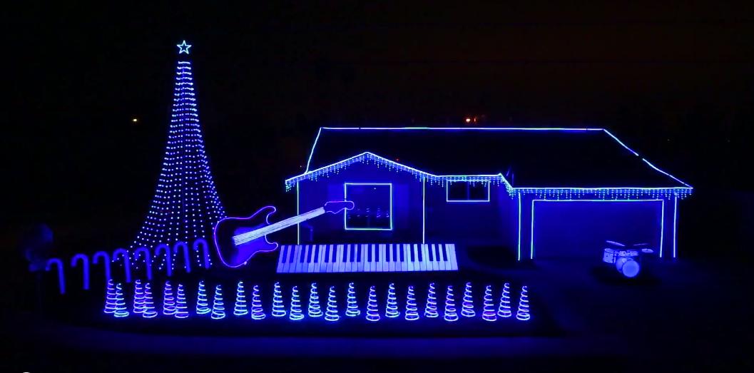 Listo, adornamos la casa de Lagzero para navidad, ¿cómo nos quedó?.[CUALQUIER COSA NIUS]
