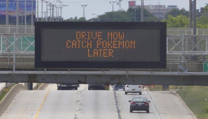 pokemon go aviso autopista